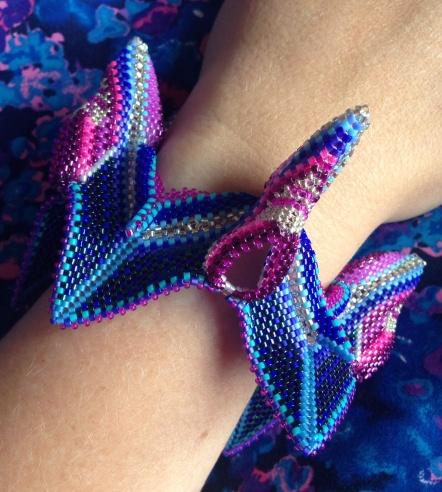 MOxgli Zig Wing Bangle from Contemporary Geometric Beadwork. Designed by Karen Beningfield, beaded by Sarah Cryer Beadwork.