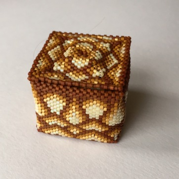 Little Beaded Box for Granny Eva (Design by Julia S Pretl)