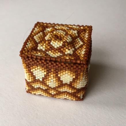 Little Beaded Box for Granny Eva (Design by Julia S Pretl)